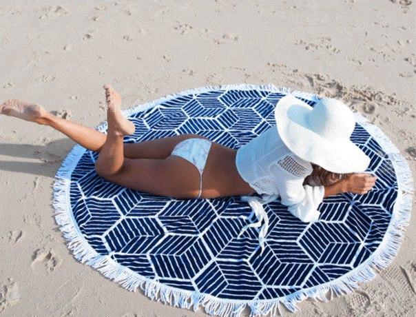 Комфортное пляжное покрывало плед с квадратиками