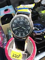 Кварцовий наручний годинник q&q