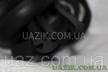 Ущільнювач лобового скла УАЗ 452 (з замком)