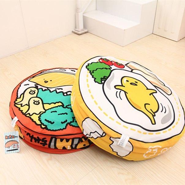 Круглая подушка с едой