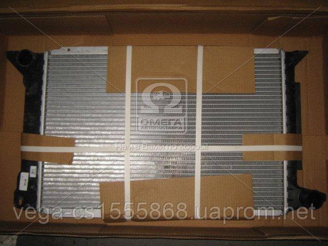 Радиатор охлаждения двигателя Van Wezel 18002261 на Ford Transit / Форд Транзит
