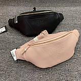 Женская бананка GUESS 067 поясная сумка с белыми надписями черная, фото 3
