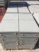 Плитка тротуарная вибролитая серая 500х500х50мм (цвет в ассортименте)