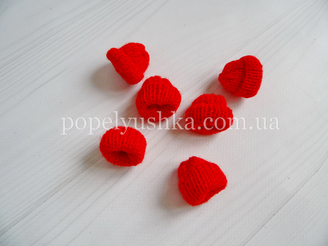 "Декор "" Шапка в'язана"" червона 3.5*3.5 см"