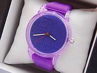 Кварцевые наручные часы Adidas (адидас) на силиконовом ремешке, с прозрачным корпусом, фиолетовые - код 1598