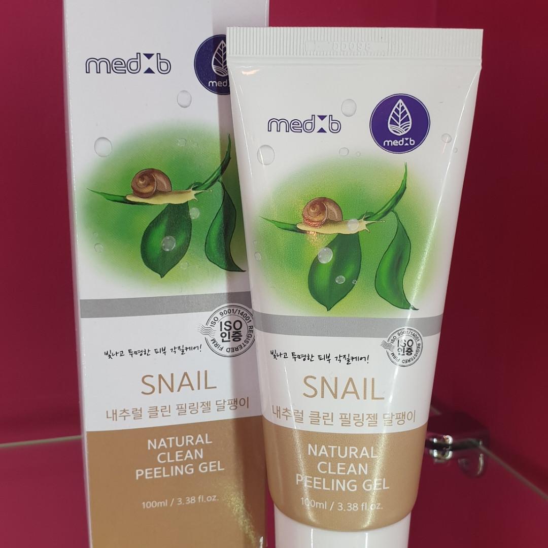 Натуральный пилинг-гель с улиточным муцином  Med B Snail Natural Clean Peeling Gel