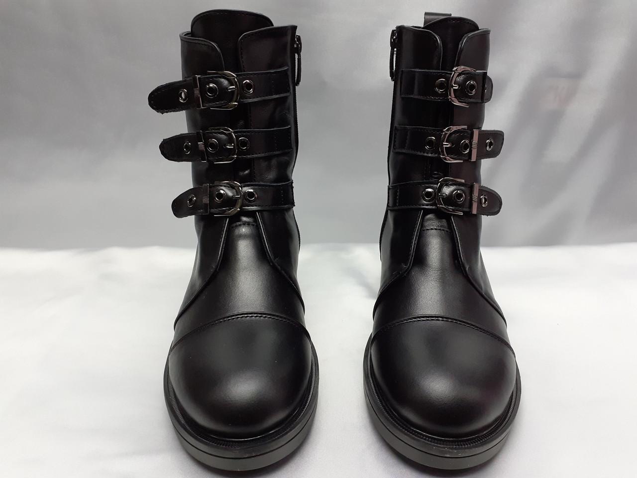 Стильные зимние кожаные ботинки на молнии Terra Grande