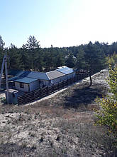 Готовая солнечная электростанция. Общий вид издалека.