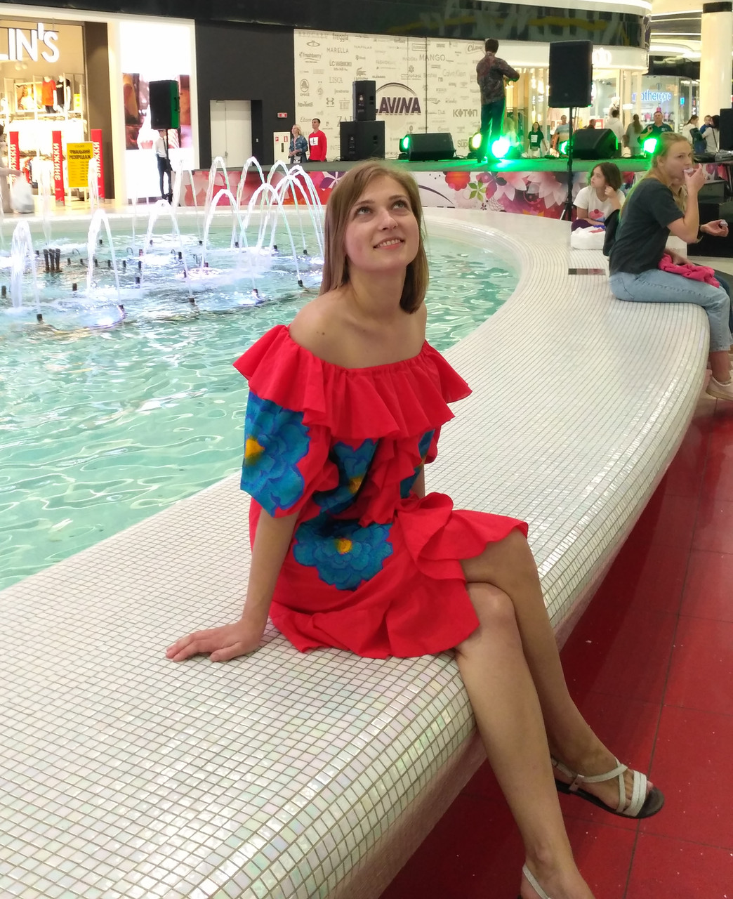 Сукня жіноча , батист, червоний колір