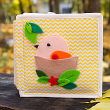 Книжечка-игрушка для детей развивающая 5