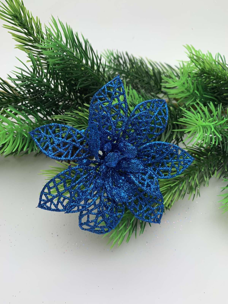 Новогоднее украшение. Пуансеттия новогодняя синяя (9 см)