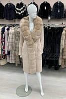 Пальто из шерстяной ткани с отделкой песцом Берези