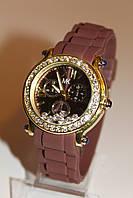Женские часы с коричневым ремешком