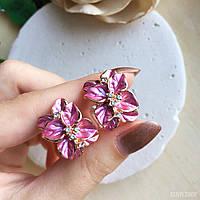 Серьги «Джесика» из медицинского золота с розовыми цветами.