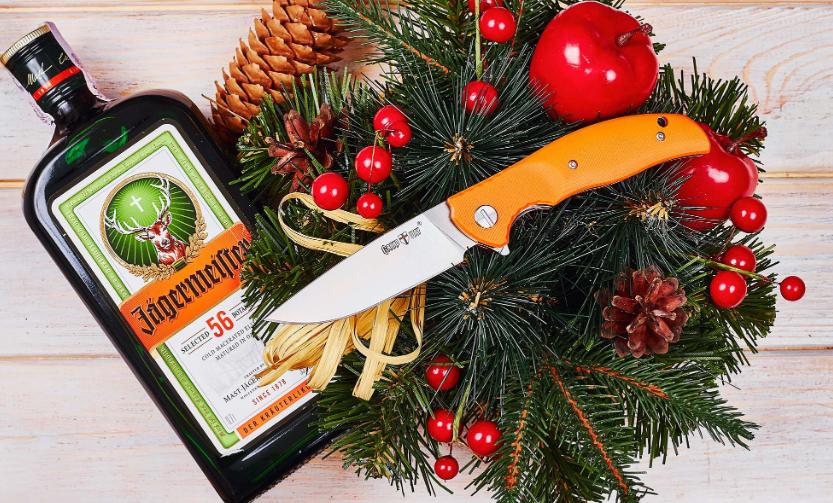 Нож складной, для решения различных задач, с объёмными оранжевыми накладками, с высверленными лайнерами, яркий