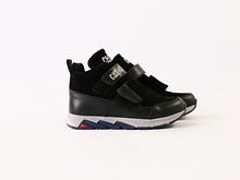 Зимние ботиночки для мальчика на липучках, черная кожа и замш