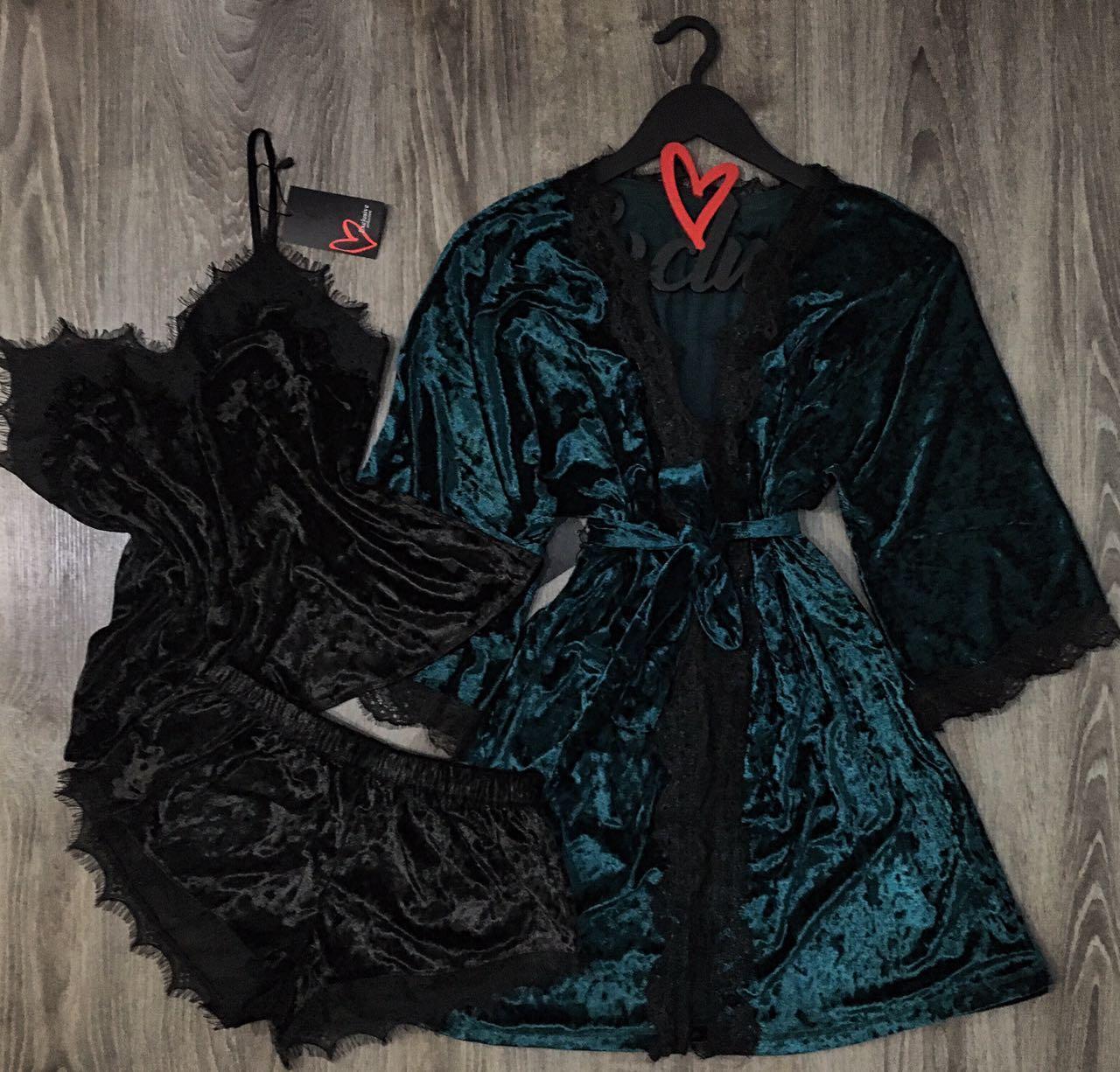 Велюровый халат и пижама с кружевом-комплект.