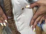 Бежевая куртка парка с натуральным мехом лисы на капюшоне, фото 9