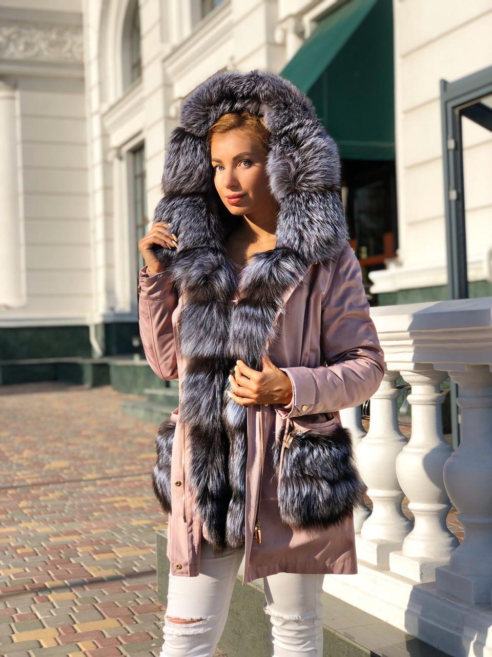 Рожева куртка парку з натуральним хутром чорнобурки на капюшоні