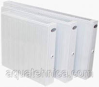 Конвектор отопительный стальной панельный 40*40 см Термия