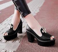 Женские стильные босоножки на толстом каблуке