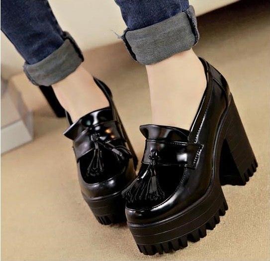 Женские модные туфли на платформе