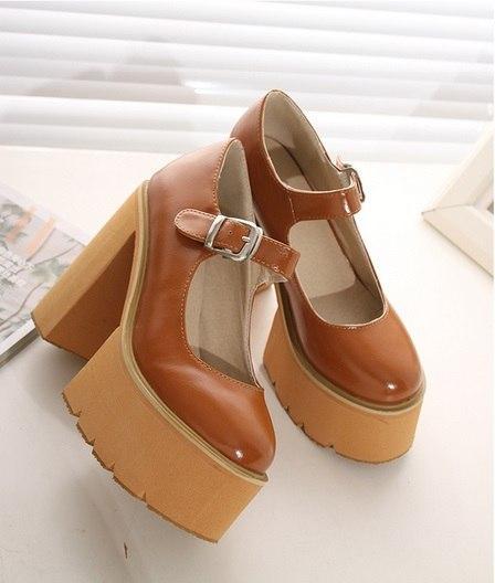 Женские стильные туфли на толстом каблуке
