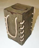 Коробки из фанеры и дерева разные цвета и формы