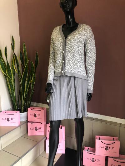 Женский вязаный костюм (юбка и кофта), Lato Italy