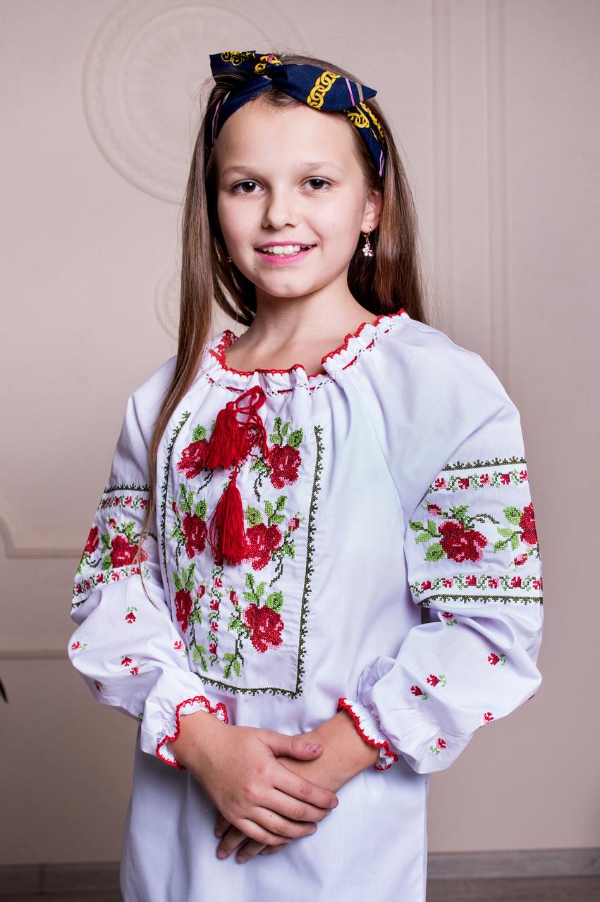 Женская вышиванка Кристинка №2