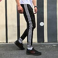 Спортивные штаны в стиле Adidas Strips черные