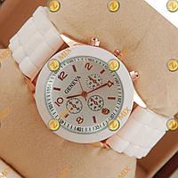 Часы Geneva White