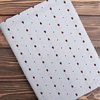 """Ткань для пэчворка и рукоделия японский хлопок """"Клубнички на винтажном серо-голубом"""",  25*35 см"""