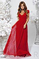 Вечернее длинное платье с глубоким вырезом красное