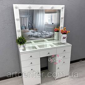 Туалетный столик, стол для визажиста со стеклянной столешницей  и ручками кристалами.