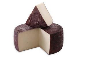 Козий полутвердый сыр