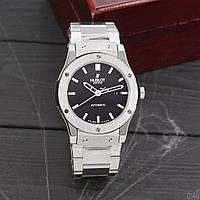 Наручные часы  Hublot Classic Fusion серебристый цвет