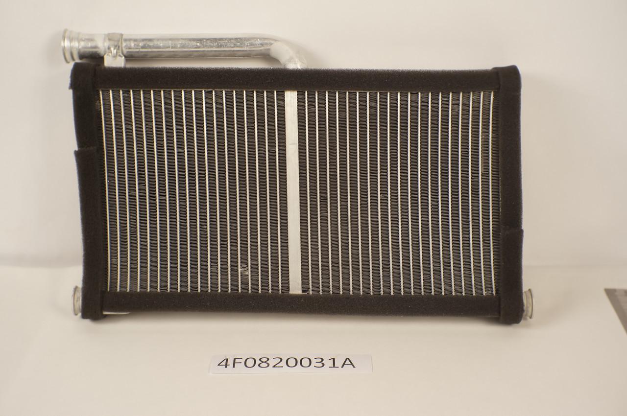 Радиатор печки Audi A6 2005- (295*144мм по сотах) KEMP