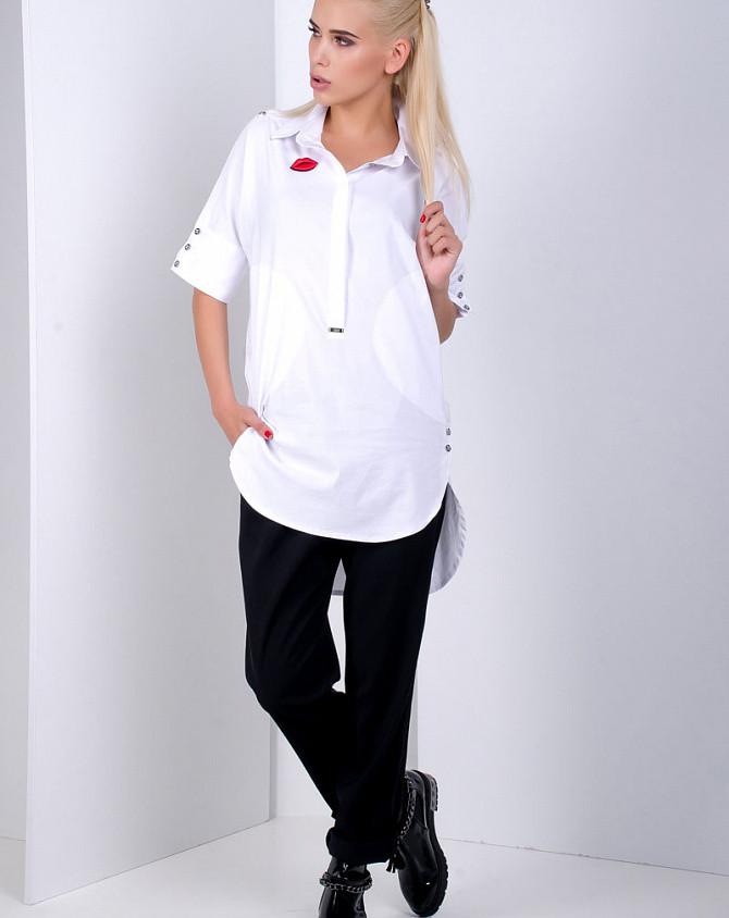 Сорочка жіноча подовжена біла SOLH MKSH2157