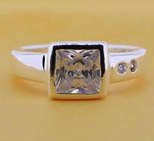 Кольцо женское с белым камнем