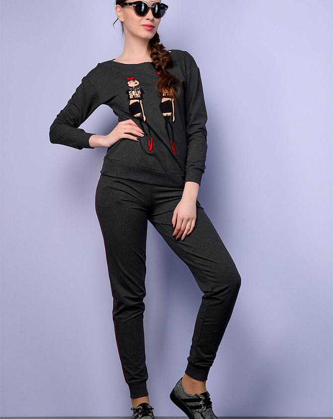 Женский прогулочный костюм с аппликацией, код 2344