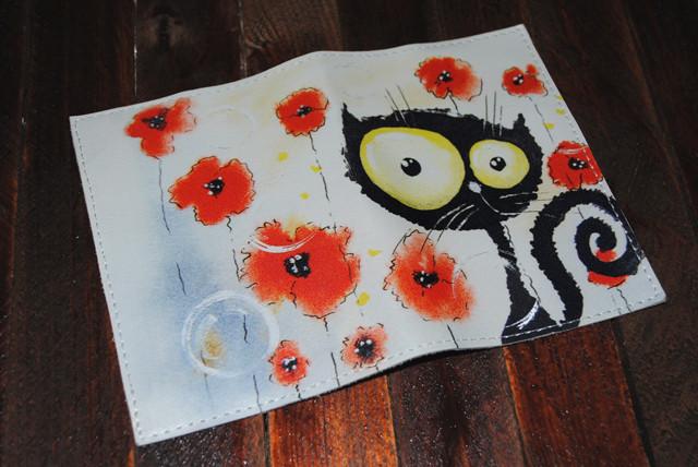 Кожаная женская обложка для паспорта -Кошка и маки-