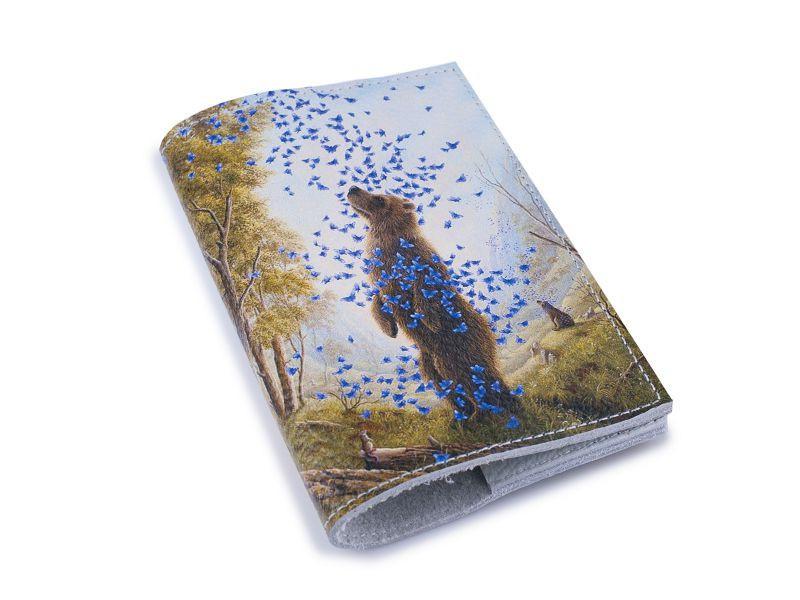 Кожаная обложка для паспорта -Медведь и бабочки-