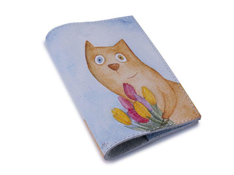 Кожаная женская обложка для паспорта -Кот с тюльпанами-