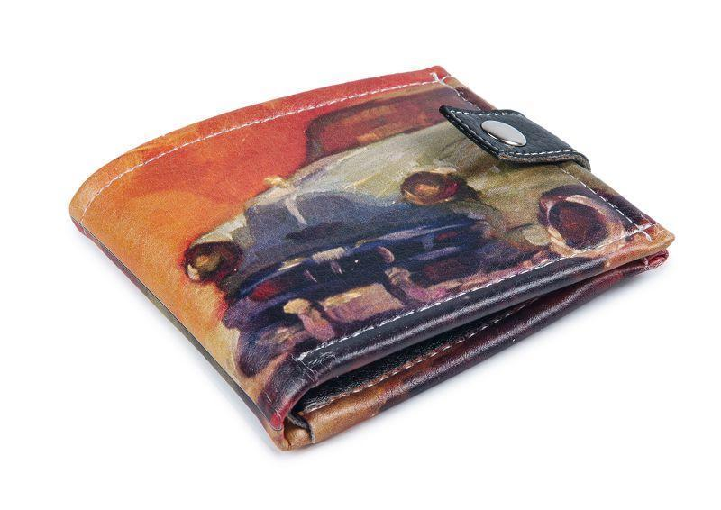 Удобный компактный кошелек Авто на оранжевом фоне