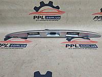 Lancia Ypsilon 03- накладка крышки багажника подсветка номера оригинал