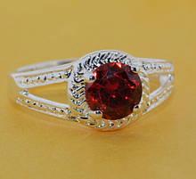 Кольцо с красным камнем женское колечко