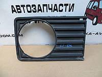 Рамка фары правой VW LT (1975-1985) OE:281853656C, фото 1