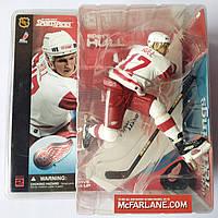 Сувенирная фигура хоккеист Brett Hull.