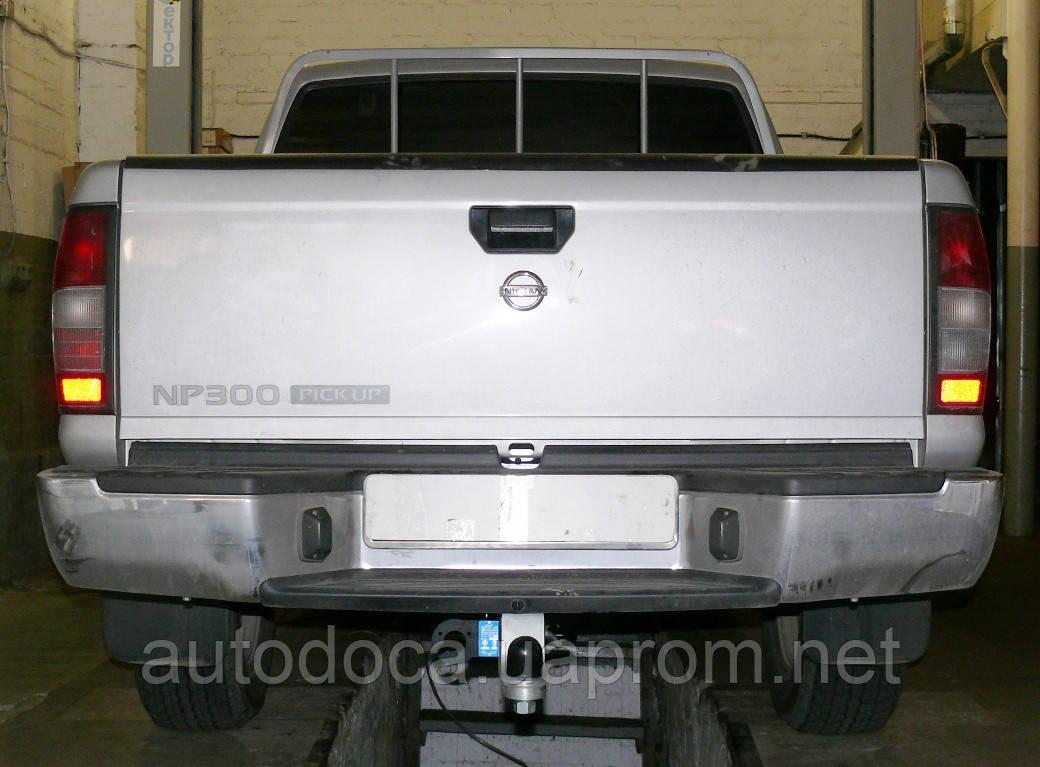 Фаркоп Nissan NP300  2008-